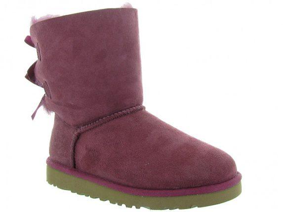 Paire de chaussures UGG Australia de couleur violette