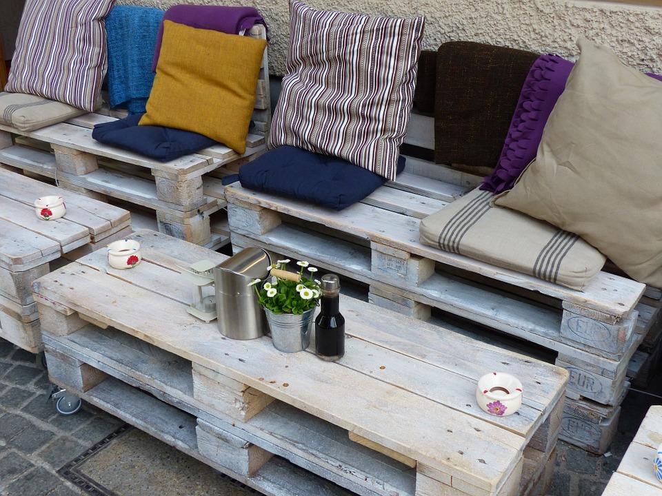 Comment créer son propre salon de jardin avec des palettes ...